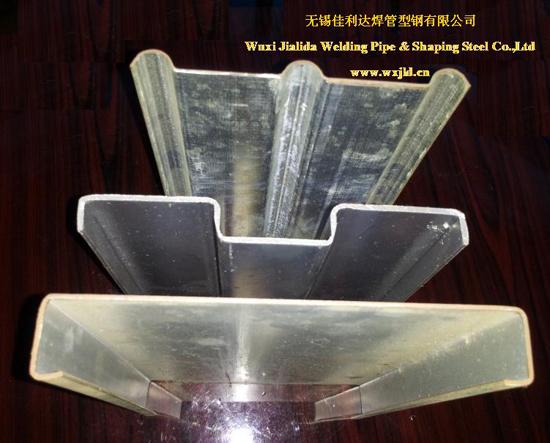 踏板扣板型钢是用来作为踏板扣板结构的